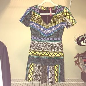 Plenty by Tracy Reese V neck dress 👗👗👗🌸🌸🌸🌸